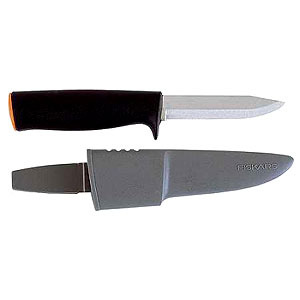 Нож общего назначения в ножнах Fiskars
